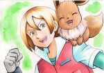 1boy :d bangs blonde_hair collared_jacket commentary_request eevee gloves green_background green_eyes green_shirt grey_gloves hair_between_eyes hand_up highres jacket male_focus oka_mochi on_shoulder open_mouth pokemon pokemon_(anime) pokemon_(creature) pokemon_bw_(anime) pokemon_on_shoulder shirt short_sleeves smile tongue traditional_media upper_body upper_teeth virgil_(pokemon)