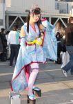 bayonetta bayonetta_(character) cosplay glasses japanese_clothes kimono platform_clogs platform_shoes short_kimono