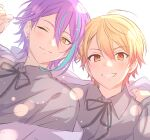 2boys ahoge blonde_hair blue_hair closed_mouth collared_shirt dot_nose earrings gradient_hair grey_ribbon grey_shirt grin highres jewelry looking_at_viewer male_focus multicolored_hair multiple_boys neck_ribbon one_eye_closed project_sekai purple_hair red_eyes ribbon sekina shinonome_akito shirt simple_background smile streaked_hair stud_earrings tenma_tsukasa white_background wing_collar yellow_eyes